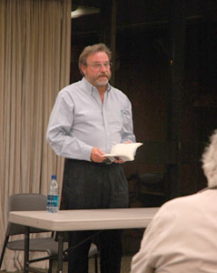 Robert Balmanno delivers a reading at the Sunnyvale Public Library in April 2007